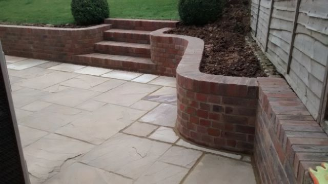 Lindfield swept curved walling and steps